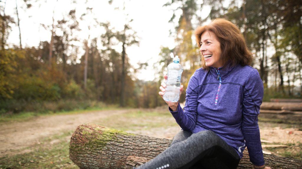 hacer-ejercicio-despues-50-anos-hidratacion
