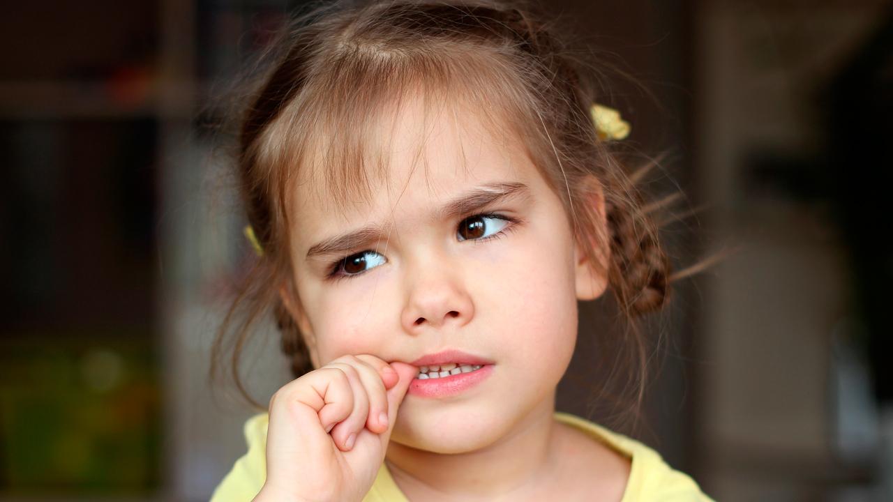 como-detectar-problemas-auditivos-sordera-hijos