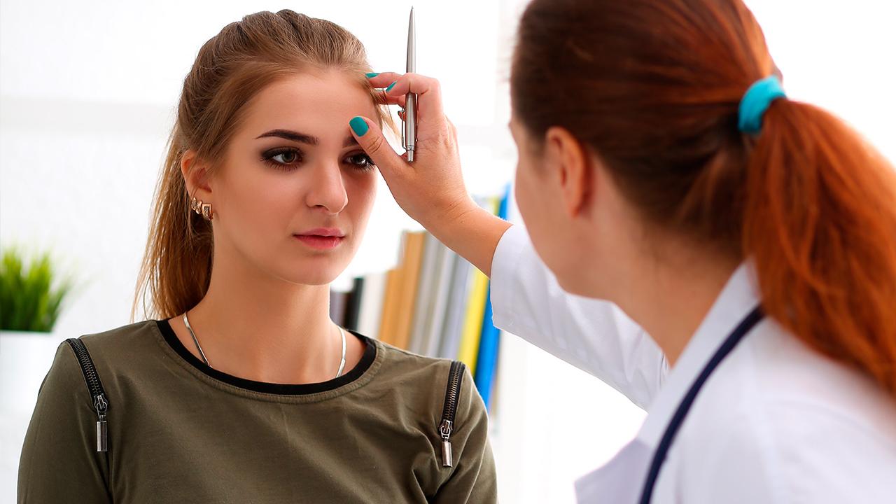 vision-borrosa-sintomas-de-prediabetes-en-mujeres