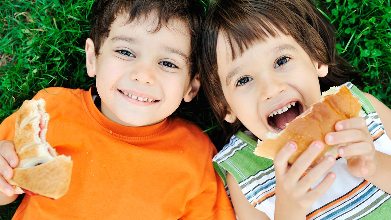 como-hacer-que-tus-hijos-coman-saludablemente