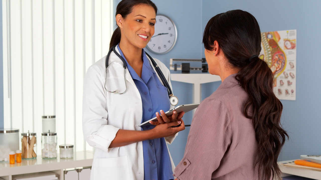 todo-sobre-tu-primera-visita-al-ginecologo