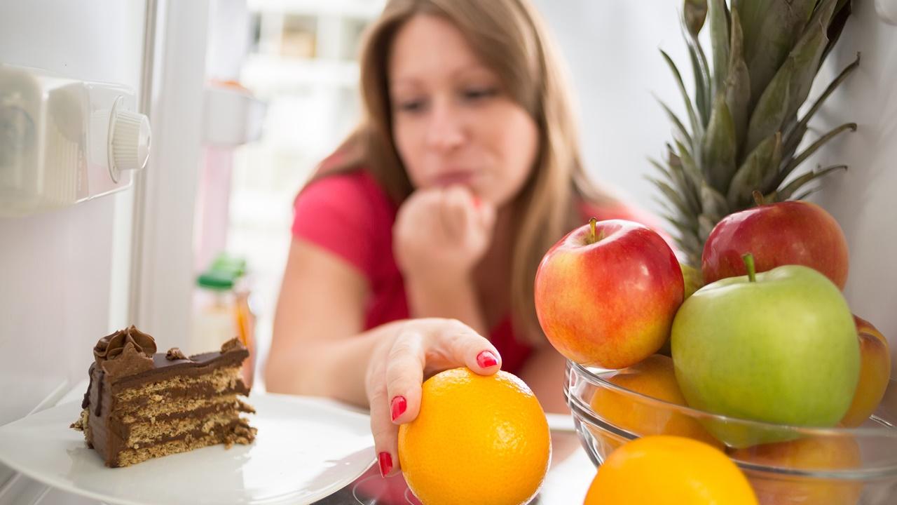mujerelige fruta