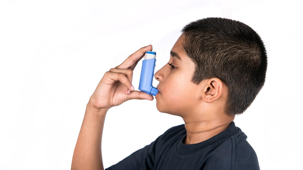 niño inhalador